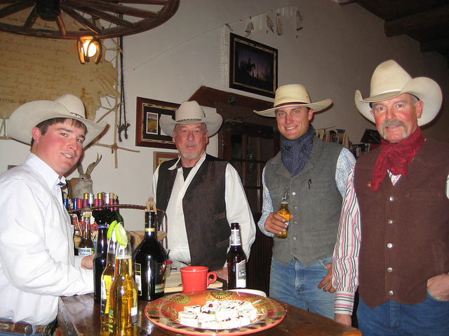 horseback riding vacation kay el bar ranch, cowboys in wickenburg, arizona