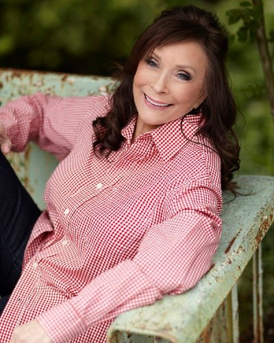 Loretta Lynn enjoys horseback riding vacation at her namesake ranch in Hurricane Falls, TN
