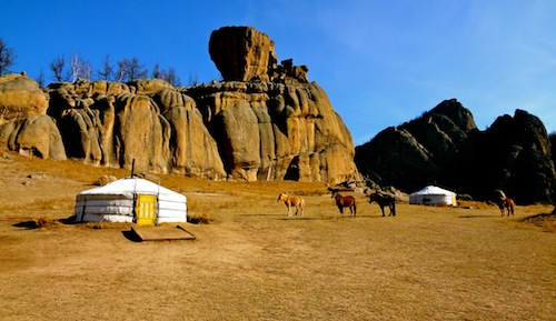 A wild and adventurious horseback riding vacation in Mongolia