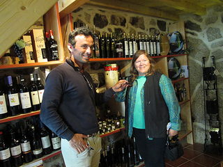 Diogo Castico & Nancy D. Brown