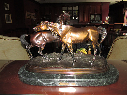 """L'Accolade"" horse statue"