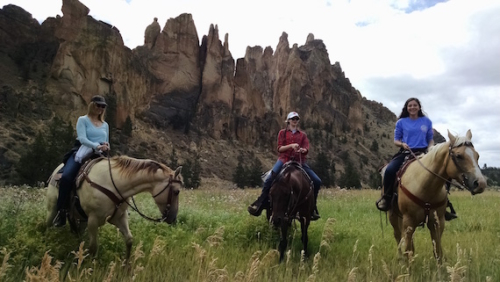 smith rock trail rides, central oregon, horseback riding, oregon, horses