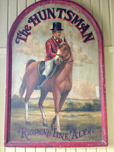 the huntsman, castle leslie, horseback riding, horse riding holiday, horse, fox hunt, riding county monaghan, thoroughbred horse, ireland