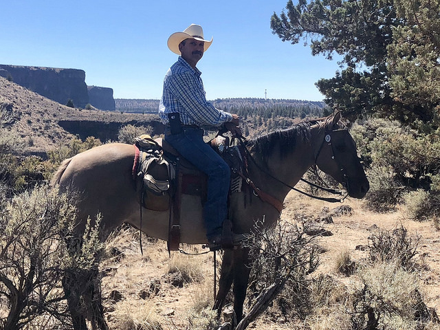 brian thomas smith rock trail rides, horseback rides crooked river ranch, horse rides in central oregon, horse trainer brian thomas