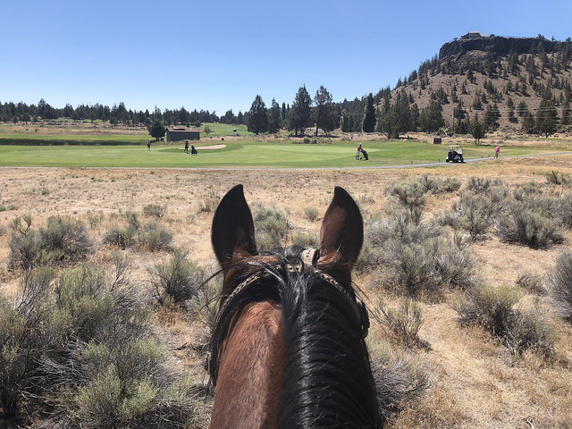 smith rock trail rides in central oregon, crooked river golf course, visit central oregon, central oregon golf, horseback riding