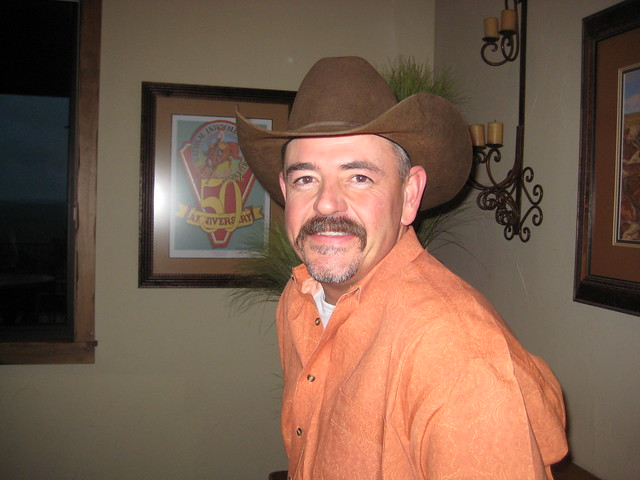 Texas cowboy Bob Bratcher wearing his cowboy hat in